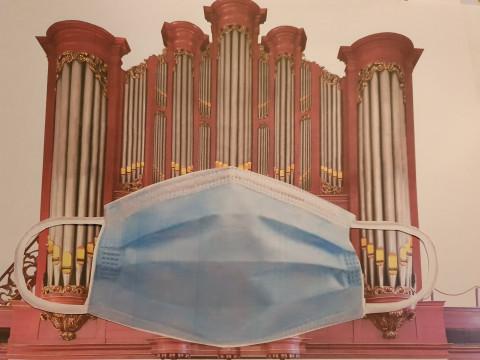 Mondkapje voor het orgel